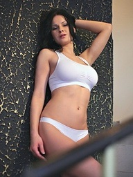 Abbie Cat greater than 21Naturals.Com - Uncultivated