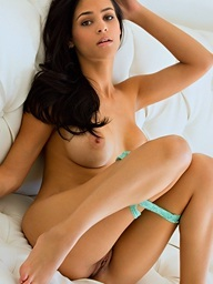 Jasmine Caro gets out of her clothes on a hawt day - Digital Desire