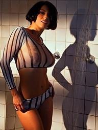 Julia Luba takes a hot shower - Digital Target